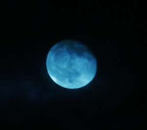 The moon over Southsea this evening...with a little blue artistic licence ;)..