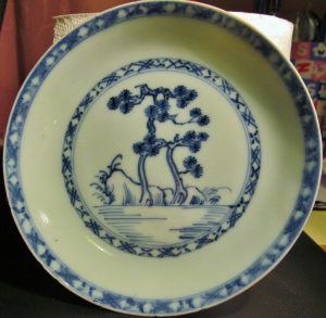 A blue Chinese plate (not Ming!)...