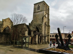 Holy Rood Church and QE2 Anchor. High Street, Southampton...