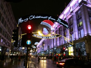 Hmmm...I guess that Marmite sentiment  is as true of some folks' attitude ro Christmas shopping in Oxford Street... ;)