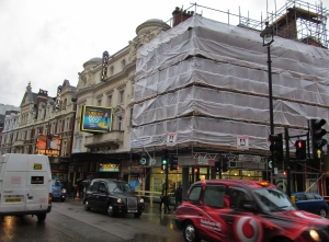 The Apollo Theatre in Shaftesbury Avenue...no place to be on Thursday evening this week :(
